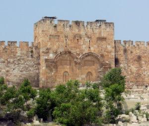 Замуровані Золоті ворота через які Спаситель входив у Єрусалим